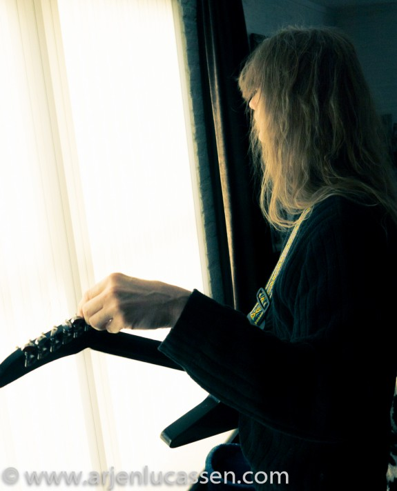 Arjen and guitar